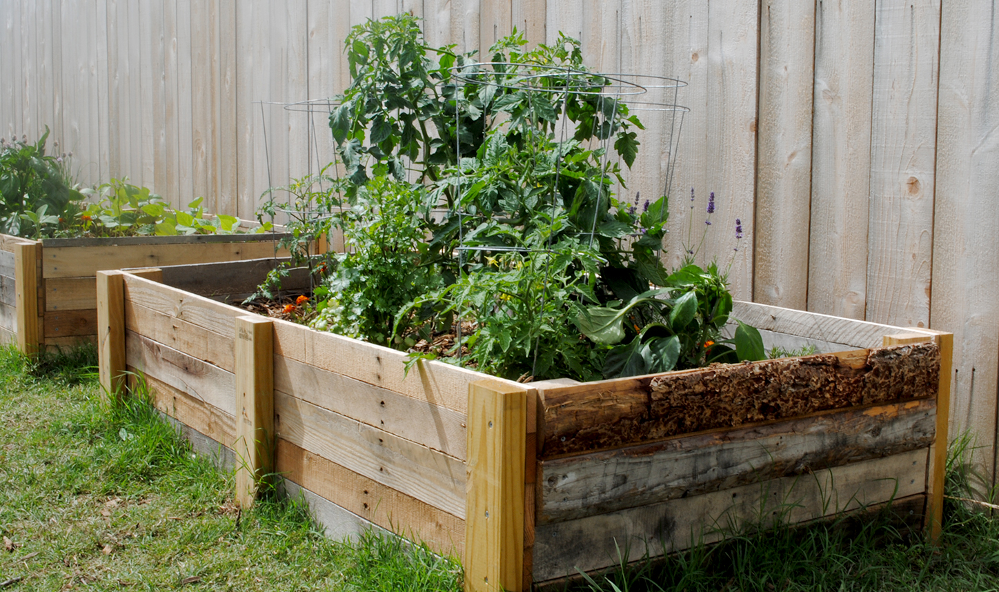 10 genius pallet projects for your homestead for Making raised garden beds