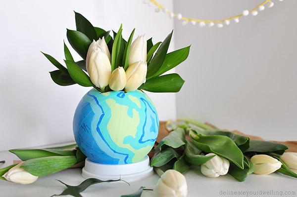 globe flower vase