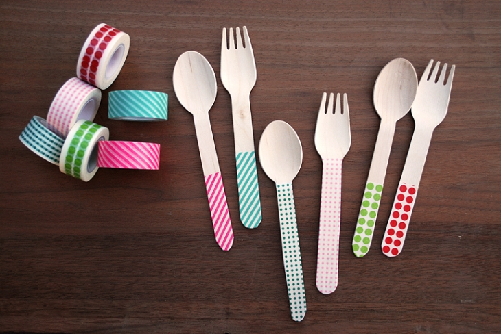 Decorate some wooden spoons