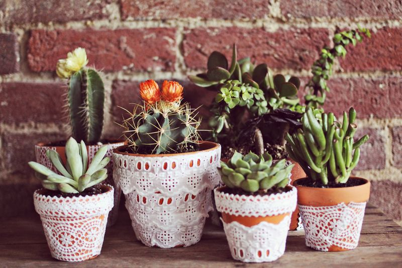 Use lace to decorate your flower pots