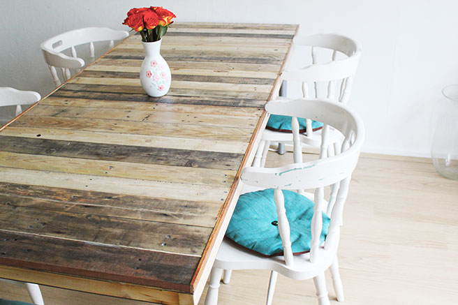 Turn an Old Door and Pallets Into a Big Dining Table
