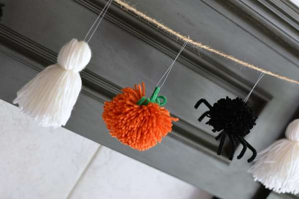 Easy Halloween Garland from Yarn