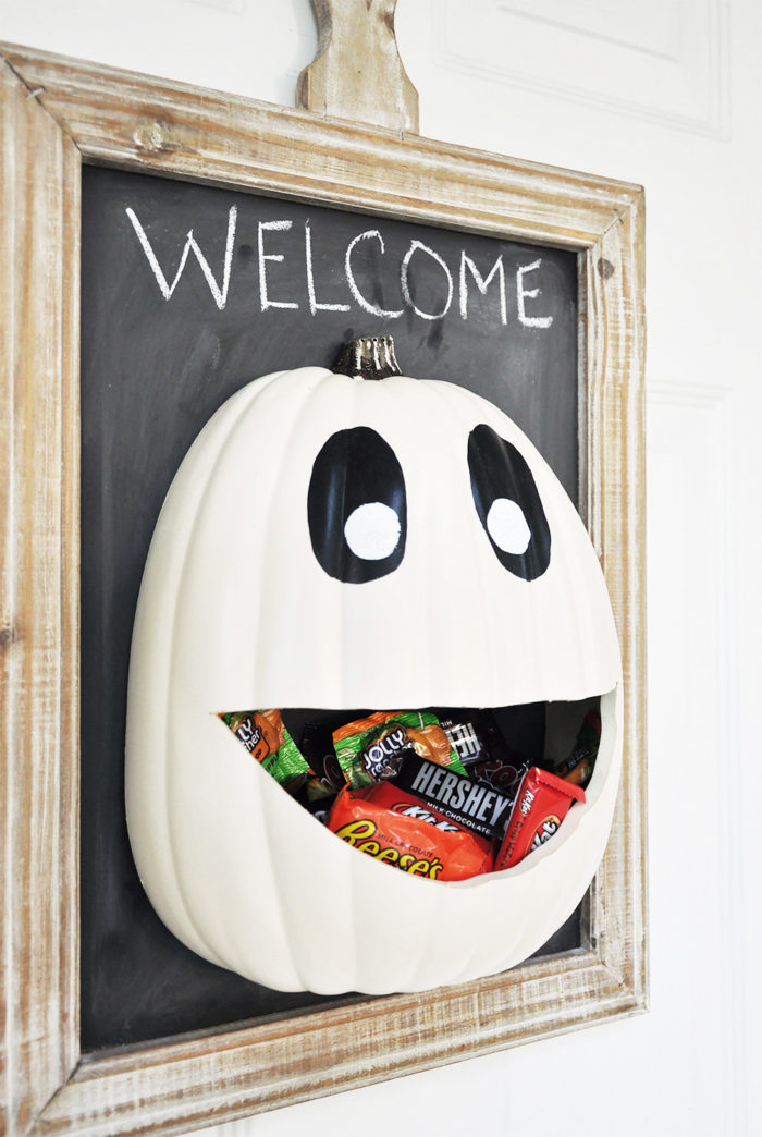 Halloween Candy Pumpkin Face Door Hanger Decoration