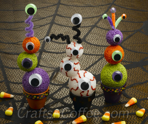 Halloween Eyeball Topiaries