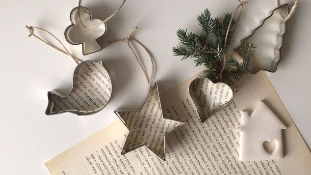 14 christmas decorations you can make with things you have at home - Ross Christmas Decorations