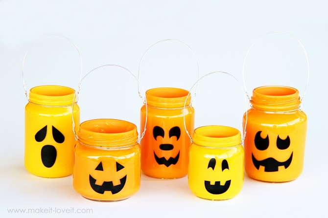 Mason Jar Trick or Treat Buckets